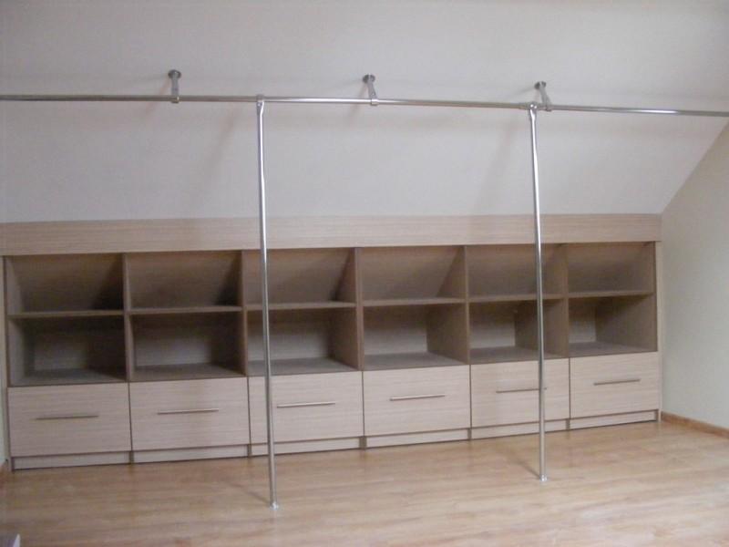 loft conversion wardrobe ideas - Zabudowy wnęk szafy wolnostojące garderoby